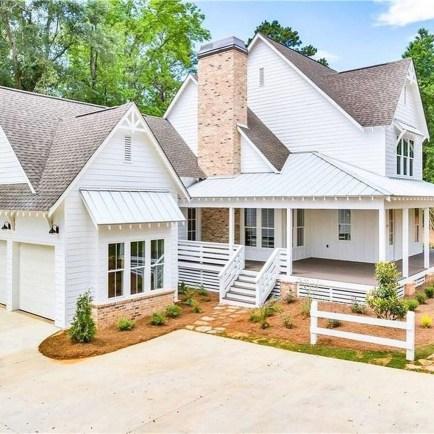 Marvelous Farmhouse Exterior Design Ideas38
