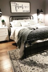 Smart Modern Farmhouse Style Bedroom Decor10