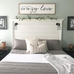 Smart Modern Farmhouse Style Bedroom Decor11