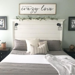 Smart Modern Farmhouse Style Bedroom Decor11