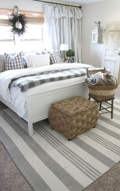 Smart Modern Farmhouse Style Bedroom Decor42