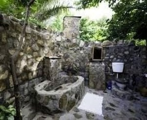 Amazing Outdoor Bathroom Design Ideas13