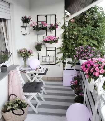 Awesome Small Balcony Ideas For Apartment09