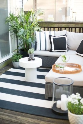 Awesome Small Balcony Ideas For Apartment27