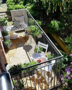 Awesome Small Balcony Ideas For Apartment32