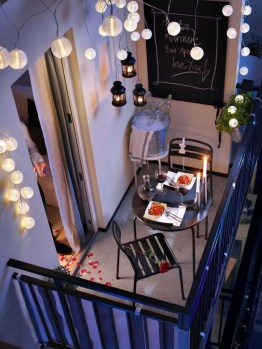 Awesome Small Balcony Ideas For Apartment44