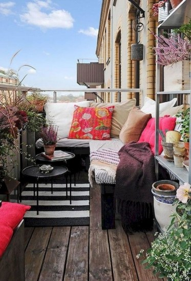 Creative And Simple Balcony Decor Ideas28