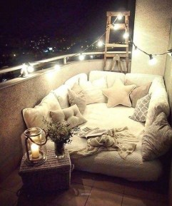 Creative And Simple Balcony Decor Ideas35