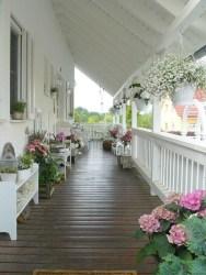 Creative And Simple Balcony Decor Ideas41