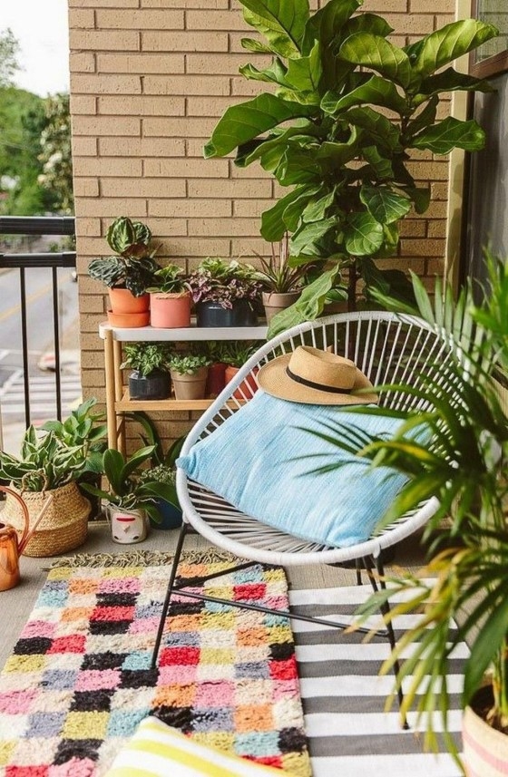 Creative And Simple Balcony Decor Ideas46