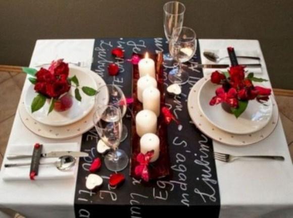 Lovely Dinner Table Design39