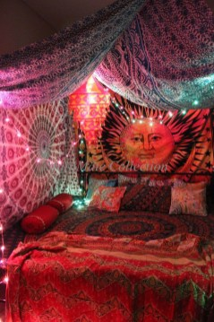 Awesome Bohemian Bedroom Tapestry Decorating Ideas07