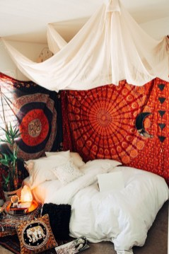 Awesome Bohemian Bedroom Tapestry Decorating Ideas09