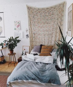Awesome Bohemian Bedroom Tapestry Decorating Ideas32