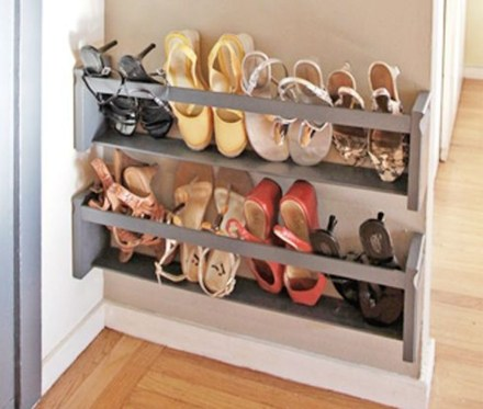Awesome Shoe Storage Diy Projects For Small Spaces Ideas17