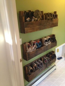 Awesome Shoe Storage Diy Projects For Small Spaces Ideas36