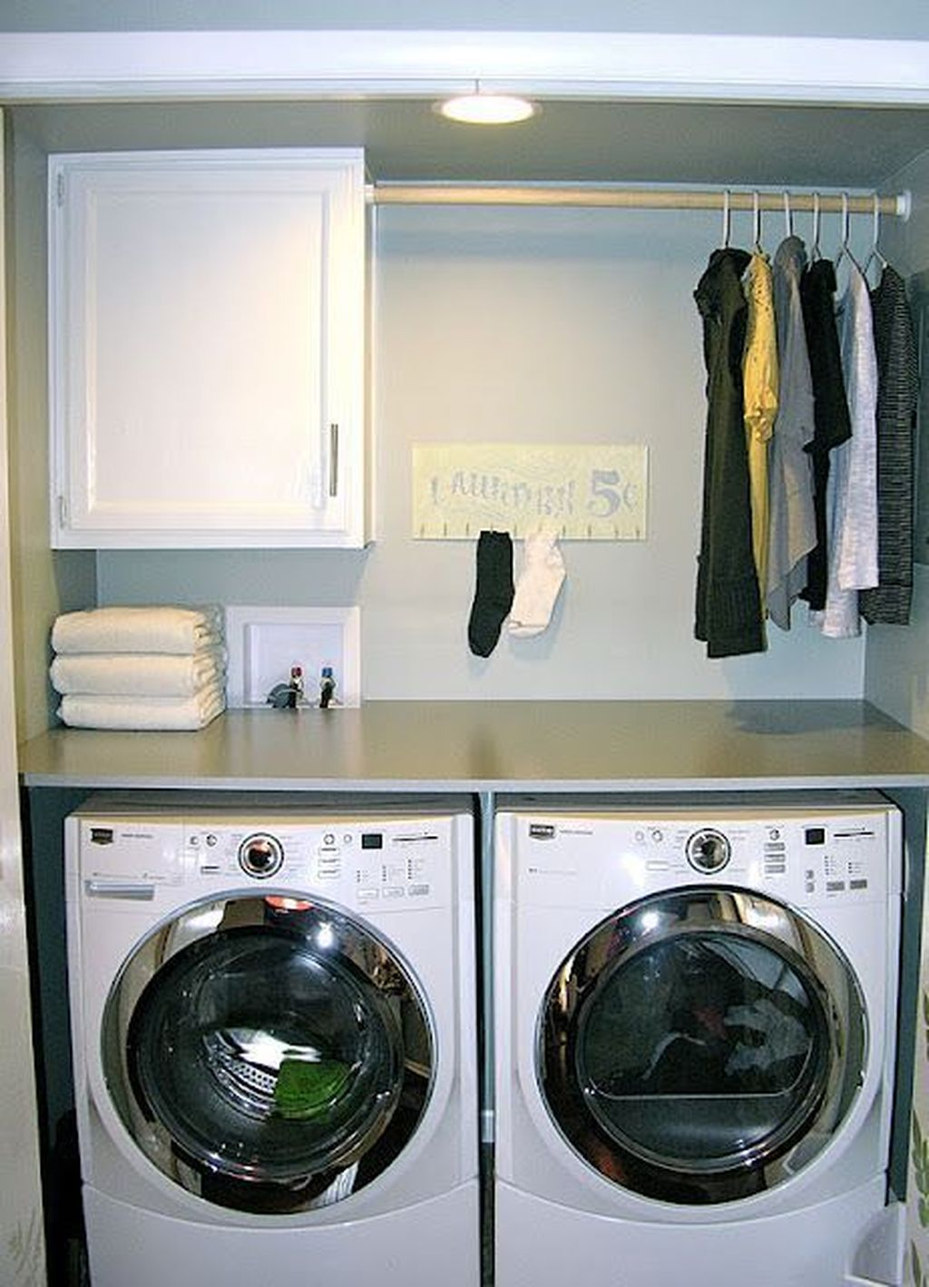 Beautiful Ideas For Tiny Laundry Spaces32
