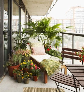 Decoration Of Balconies In Apartments That Inspire People06