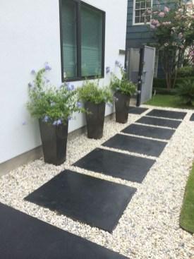 Gorgeous Small Backyard Landscaping Ideas32