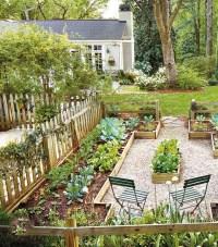 Gorgeous Small Backyard Landscaping Ideas35