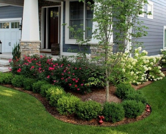 Gorgeous Small Backyard Landscaping Ideas43