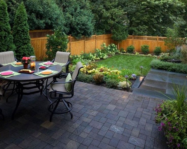 Gorgeous Small Backyard Landscaping Ideas46