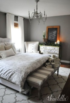 Gorgeous Small Master Bedroom Designs18