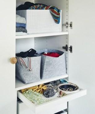The Best Small Wardrobe Ideas For Your Apartment17