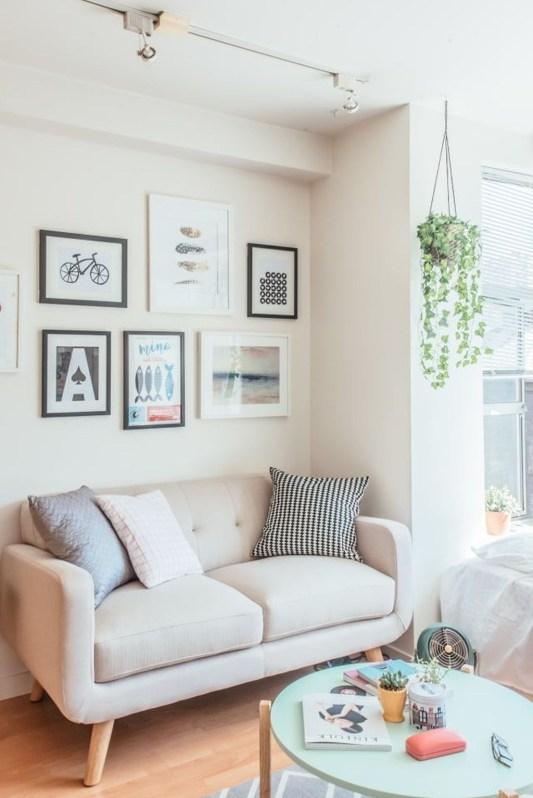 Comfy Studio Living Room Apartment18