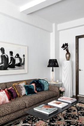 Comfy Studio Living Room Apartment34