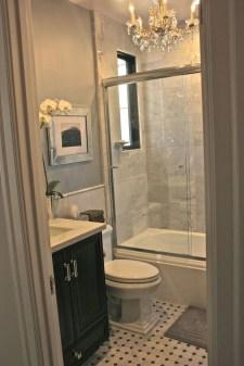 Gorgeous Cottage Bathroom Design Ideas17