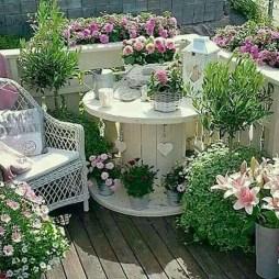 Gorgeous Flower On Balcony Ideas20
