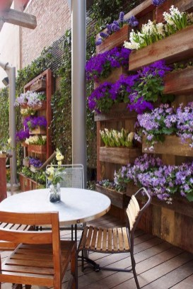 Gorgeous Flower On Balcony Ideas36