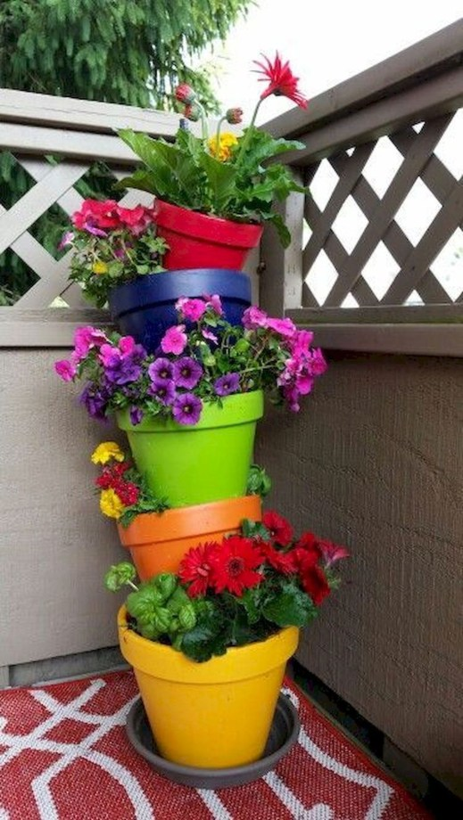 Gorgeous Flower On Balcony Ideas40