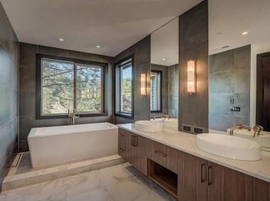 Modern Jacuzzi Bathroom Ideas11