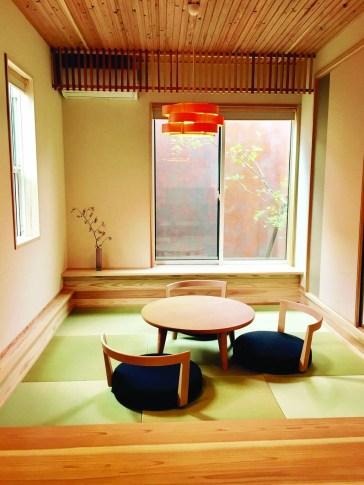 Modern Japanese Living Room Decor37