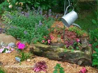 Amazing Ideas For Vintage Garden Decorations For Your Inspiration09
