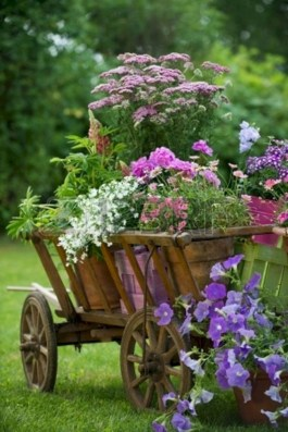 Amazing Ideas For Vintage Garden Decorations For Your Inspiration24
