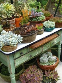 Amazing Ideas For Vintage Garden Decorations For Your Inspiration39
