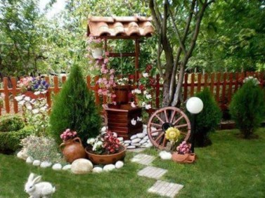 Amazing Ideas For Vintage Garden Decorations For Your Inspiration41