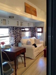 Amazing Rv Decorating Ideas For Your Enjoyable Trip15