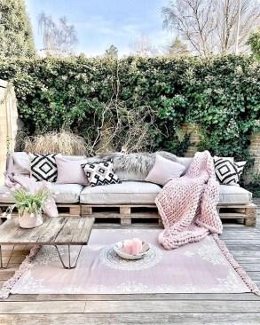 Beautiful Outdoor Living Decoration Ideas44