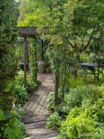 Beautiful Shady Gardens Design Ideas03