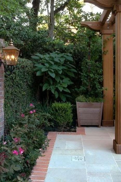 Beautiful Shady Gardens Design Ideas28