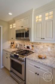 Charming Kitchen Cabinet Decorating Ideas04
