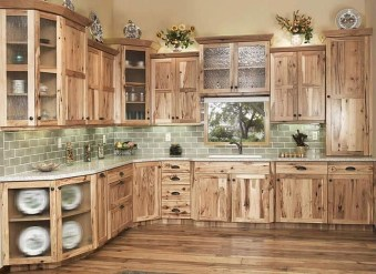 Charming Kitchen Cabinet Decorating Ideas13