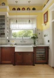 Charming Kitchen Cabinet Decorating Ideas23