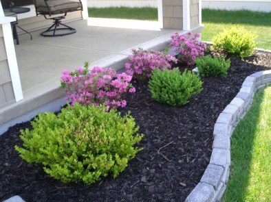 Incredible Flower Bed Design Ideas For Your Small Front Landscaping06