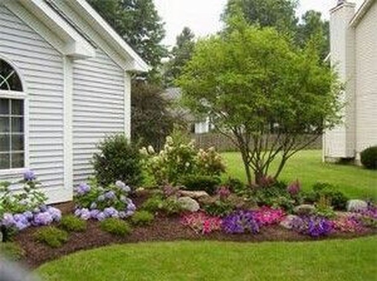 Incredible Flower Bed Design Ideas For Your Small Front Landscaping09