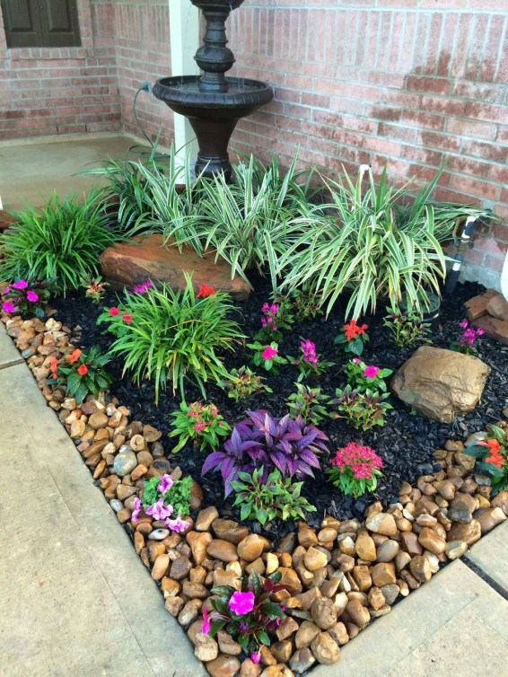 Incredible Flower Bed Design Ideas For Your Small Front Landscaping20